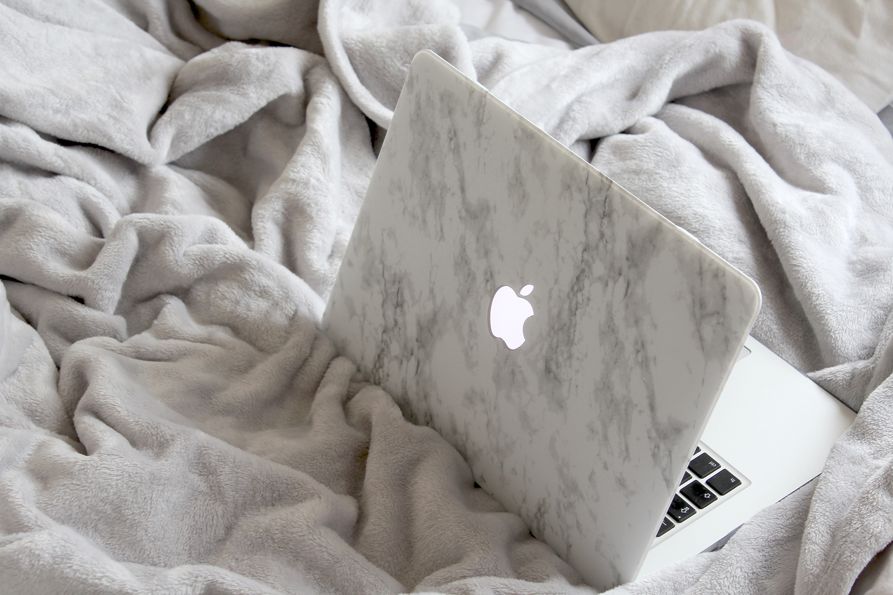 2 The Marble Laptop Case