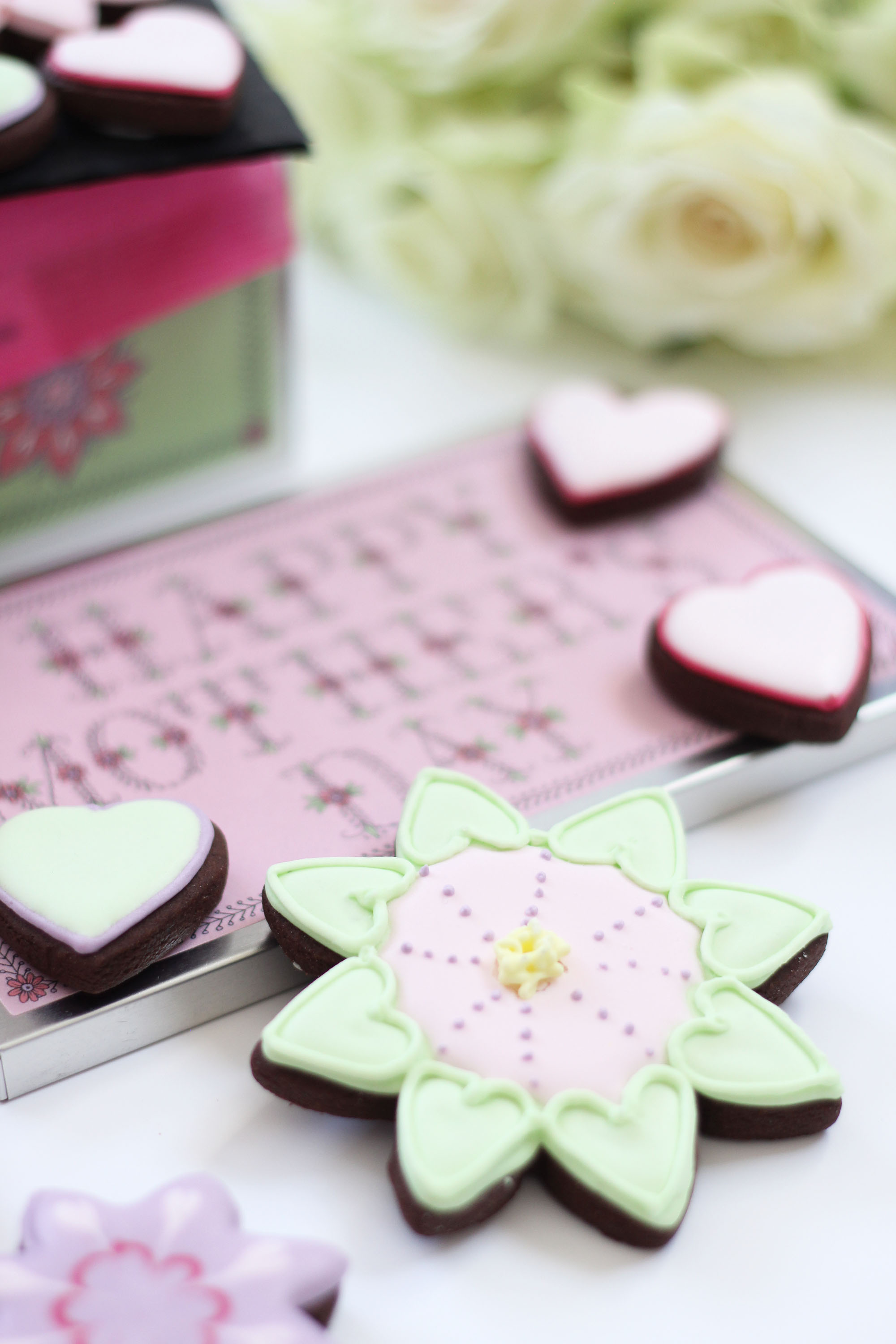 Mother's Day with Biscuiteers - Beauty and the Chic